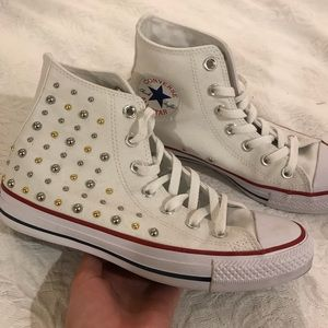 NWOT Studded White Converse Size 7